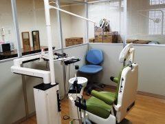 歯科診療設備、週2回歯科診療実施