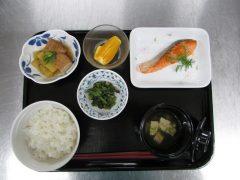 定番メニュー(鮭の塩焼き)