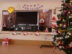 クリスマス 飾り付け(リハビリ室)