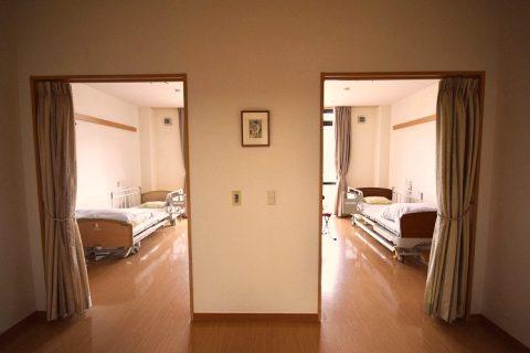 プライベートに配慮した多床室
