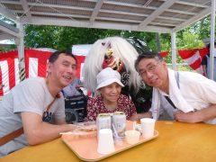 お祭り♪ご家族と獅子舞と記念写真♪