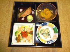 人気メニューのちらし寿司!